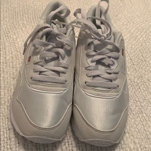 Reebok Classic White Shoes-size 4.5 fits size5